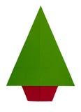 Origami,在白色隔绝的被折叠的纸圣诞树 绿色,关于 免版税库存照片