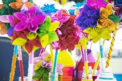 Origami, бумажная складчатость красивый цветок стоковое фото rf