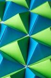 Origami czworościany w błękitnych, żółtych i zielonych kolorach, Obrazy Royalty Free
