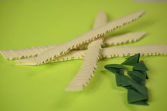 origami 3D dans la fabrication images libres de droits