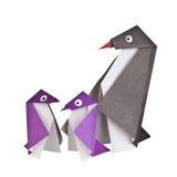 Origami. Document cijfers van pinguïnen Stock Foto