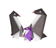 Origami. Document cijfers van pinguïnen Stock Foto's
