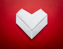 Origami formar pappers- hjärta symbolet för valentindag Royaltyfria Foton