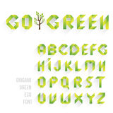 Origami grüner Eco-Guss Alphabet bezeichnet Kreidevorstand mit Buchstaben Stockbild