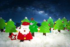 origami, Natale Santa ed albero di Natale realistici con la copia Immagini Stock Libere da Diritti