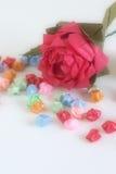 Origami se levantó con las estrellas imagen de archivo libre de regalías