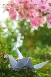 Origami sur des feuilles d'arbre Photo libre de droits