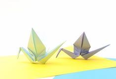 Origami Vögel. Kindpapierartikel. Lizenzfreies Stockfoto