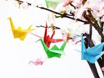 Origamidocument kranen een symbool stock afbeeldingen