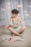 Origamiflicka Royaltyfri Bild