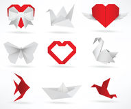 Origamitiere u. Liebessymbole Lizenzfreie Stockfotos
