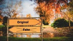 Original do sinal de rua contra a falsifica??o foto de stock