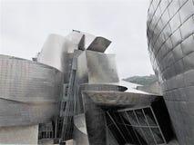 original- och modern arkitektur i titan arkivbild
