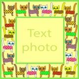 Original- ram f?r foto och text Bild av nätta färgrika kattungar Ramen är passande för gåvan för båda vuxna människor och royaltyfri illustrationer