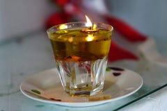 Original y lámpara en una pequeña iglesia ortodoxa en Paros foto de archivo libre de regalías