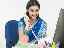 origine indienne femelle de gestionnaire images stock