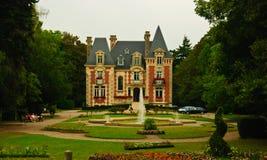 Origineel de stijlpaleis van Norman in Livarot, Frankrijk stock foto's