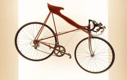 Origineel model van fiets op witte achtergrond Sport in actief het levensconcept Stock Afbeelding