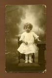Originele antieke foto - jong meisje Stock Afbeeldingen