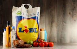 Originele plastic het winkelen van Lidl zak en producten Stock Afbeelding