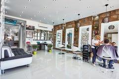 Orihuela, Espagne 15 juin 2016 : Salon de beauté avec la conception moderne dans le pays européen Photos libres de droits