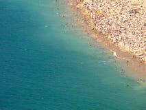 Orilla apretada de la playa foto de archivo