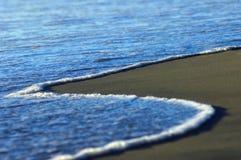 Orilla azul del océano Fotografía de archivo libre de regalías