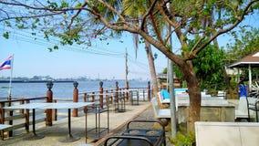 Orilla de Chao Pharya en Tailandia Foto de archivo