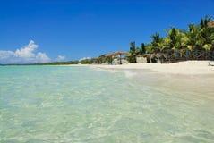 Orilla de la isla de los Cocos de Cayo foto de archivo