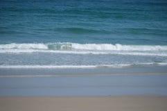 Orilla de la playa de las catedrales en Ribadeo 1 DE AGOSTO DE 2015 Geología, paisajes, viaje, vacaciones, naturaleza Playa del imagenes de archivo