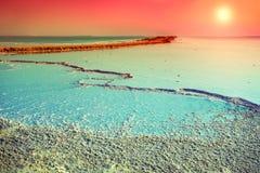 Orilla de la sal del mar muerto imagenes de archivo