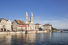 Orilla de Limmat en Zurich Imagenes de archivo