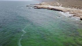Orilla de mar del mar Caspio Kazajistán almacen de metraje de vídeo