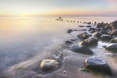 Orilla de Michigan de lago en la salida del sol Imagenes de archivo