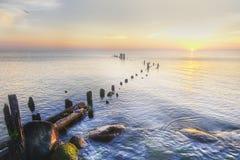 Orilla de Michigan de lago en la salida del sol Imagen de archivo libre de regalías