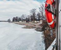 Orilla de Tammisaari Raasepori en un día de invierno foto de archivo libre de regalías
