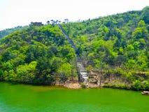 Orilla del lago de Huanghuacheng subacuática la sección de Gran Muralla Foto de archivo libre de regalías