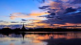 Orilla del lago de KaenNaKorn Foto de archivo