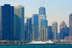 Orilla del lago del horizonte de Chicago imagenes de archivo