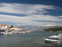 Orilla del mar de la ciudad de Galaxidi Foto de archivo