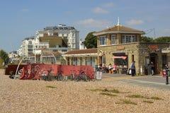 Orilla del mar de Worthing, Sussex del oeste, Inglaterra Fotos de archivo