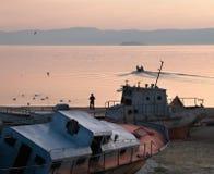 Orilla del pueblo de Khuzhir en el lago Baikal Imagen de archivo libre de regalías