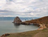 Orilla del pueblo de Khuzhir en el lago Baikal Foto de archivo