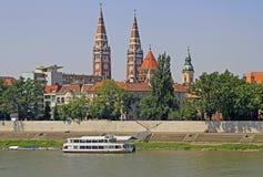 Orilla del río Tisza en la ciudad Szeged fotografía de archivo