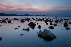 Orilla Koktebel de las rocas Imagenes de archivo