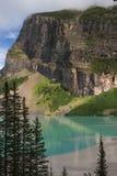 Orilla occidental de Lake Louise Fotografía de archivo