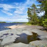 Orilla pedregosa del lago ladoga Fotografía de archivo libre de regalías