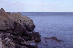 Orilla rocosa Fotografía de archivo libre de regalías