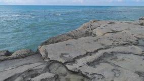 Orilla rocosa del mar Caspio metrajes