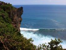Orilla rocosa Uluwatu Isla de Bali Imagenes de archivo